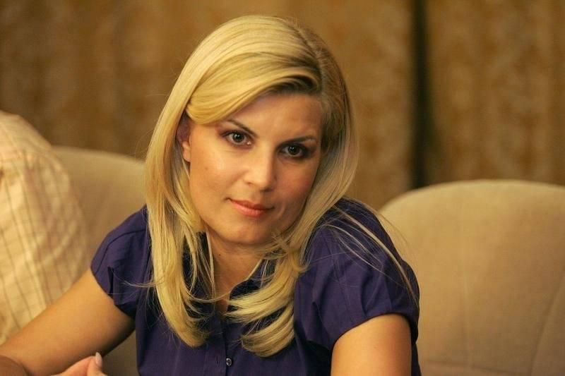 Elena-Udrea-pesurse.ro_