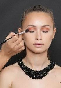 SMOKEY EYES STEP BY STEP