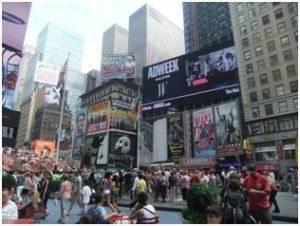 Jurnalul_unei_insotitoare_de_bord_New_York_orasul_fiecaruia_dintre_noi2