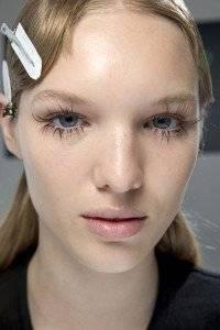 Afla-care-sunt-tendintele-in-make-up-primavara-vara-2016(3)