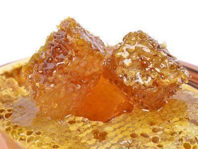 Terapii-complementare–Mierea-si-produsele-stupului2