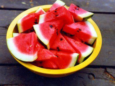care-sunt-alimentele-care-ajuta-la-hidratare-pe-timpul-verii1