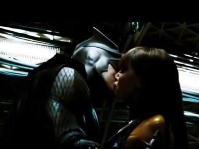 top-10-cele-mai-nereusite-scene-de-dragoste-din-filme3