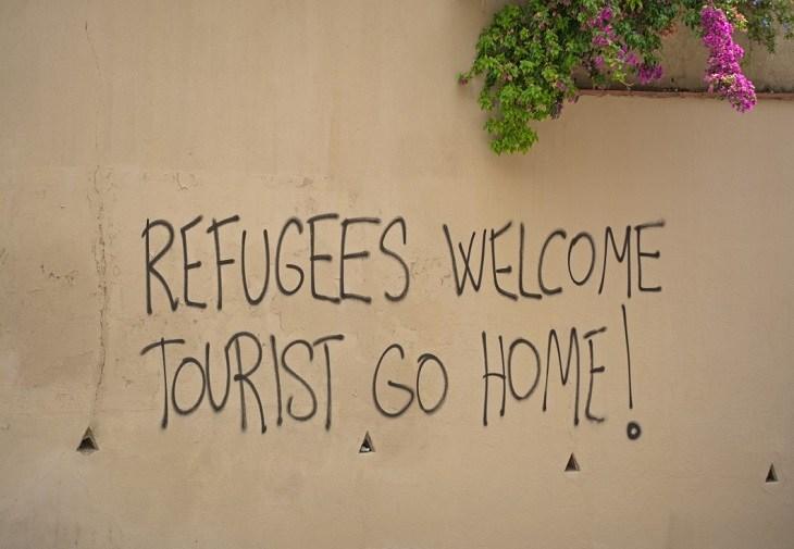 Turiștii să plece, refugiații sunt bineveniți – Barcelona preferă imigranții