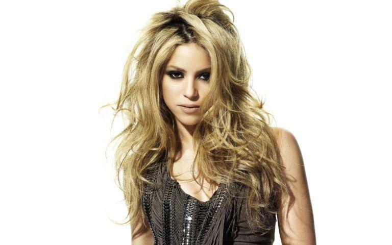 Shakira îşi poartă copiii după ea în turneu