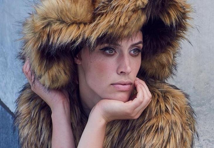 În sfârșit, s-au deșteptat și creatorii de modă și au decis că cei care poartă blană naturală n-au stil