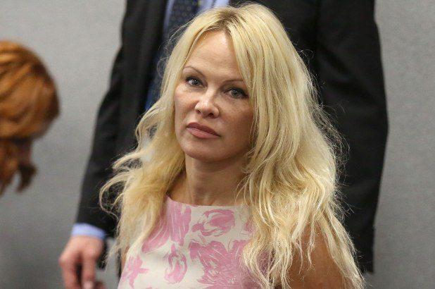 Motivul pentru care Pamela Anderson îl critică dur pe premierul Australiei