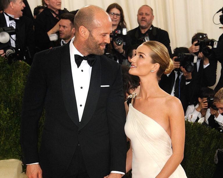Rosie Huntington-Whiteley grăbește nunta și se mărită cu Jason Statham de Revelion