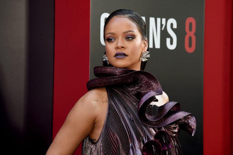 Rihanna lansează un brand de fashion de lux