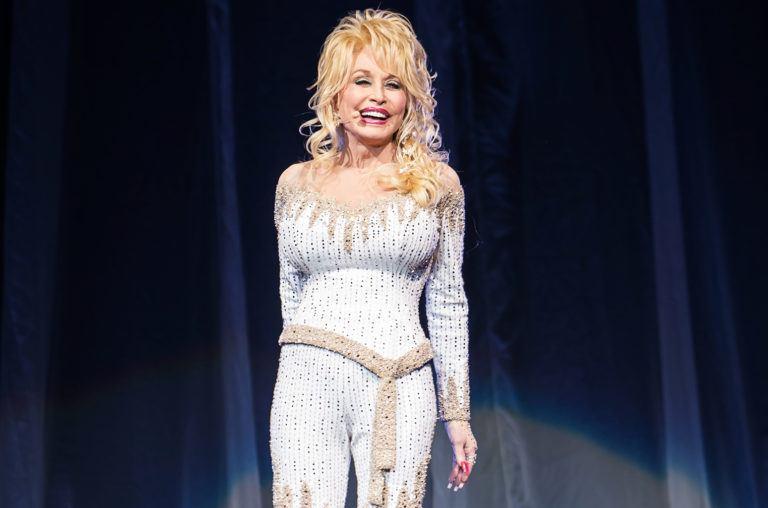 """Dolly Parton a vorbit despre orientarea sa sexuală: """"Oamenilor le place să vorbească"""""""