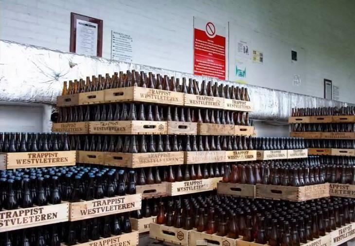 """Călugării belgieni lansează un site pentru a vinde """"cea mai bună bere din lume"""""""
