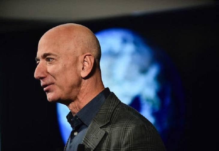 Directorul Amazon obligat de angajați să lupte împotriva schimbărilor climatice
