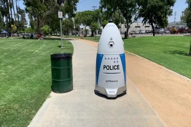robotul polițist