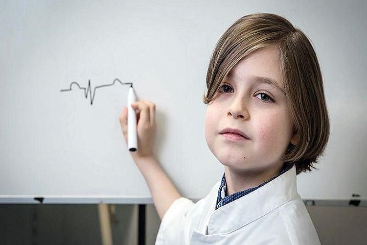La 9 ani, Laurent Simons este cel mai tânăr absolvent de facultate din lume