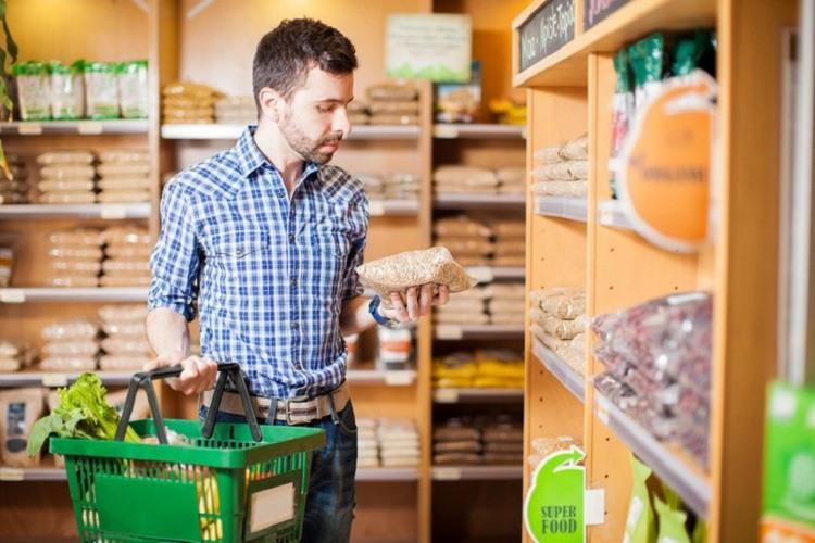 Consumatorul verde cumpără în exces produse prietenoase cu mediul, fără să aibă neapărat nevoie