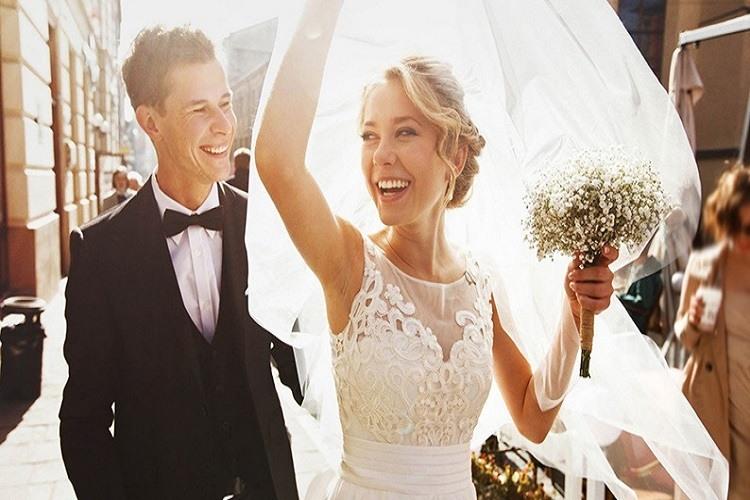 Românii se căsătoresc