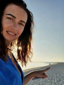 paula hriscu pe plaja