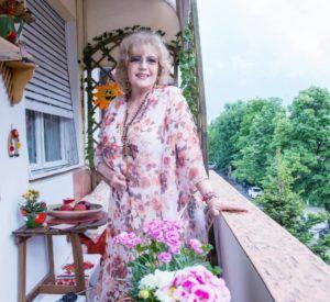 corina chiriac pe balcon