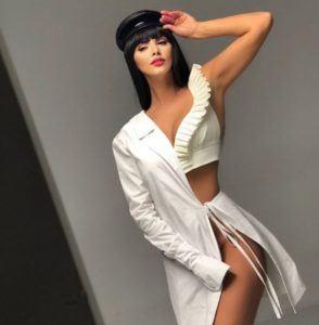 lavinia parva sexy