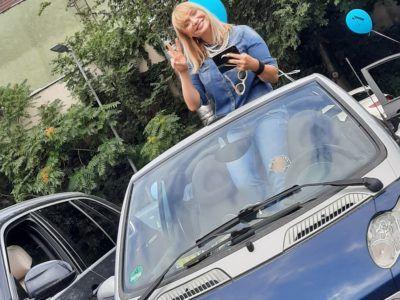 cristina cioran a dansat in masina