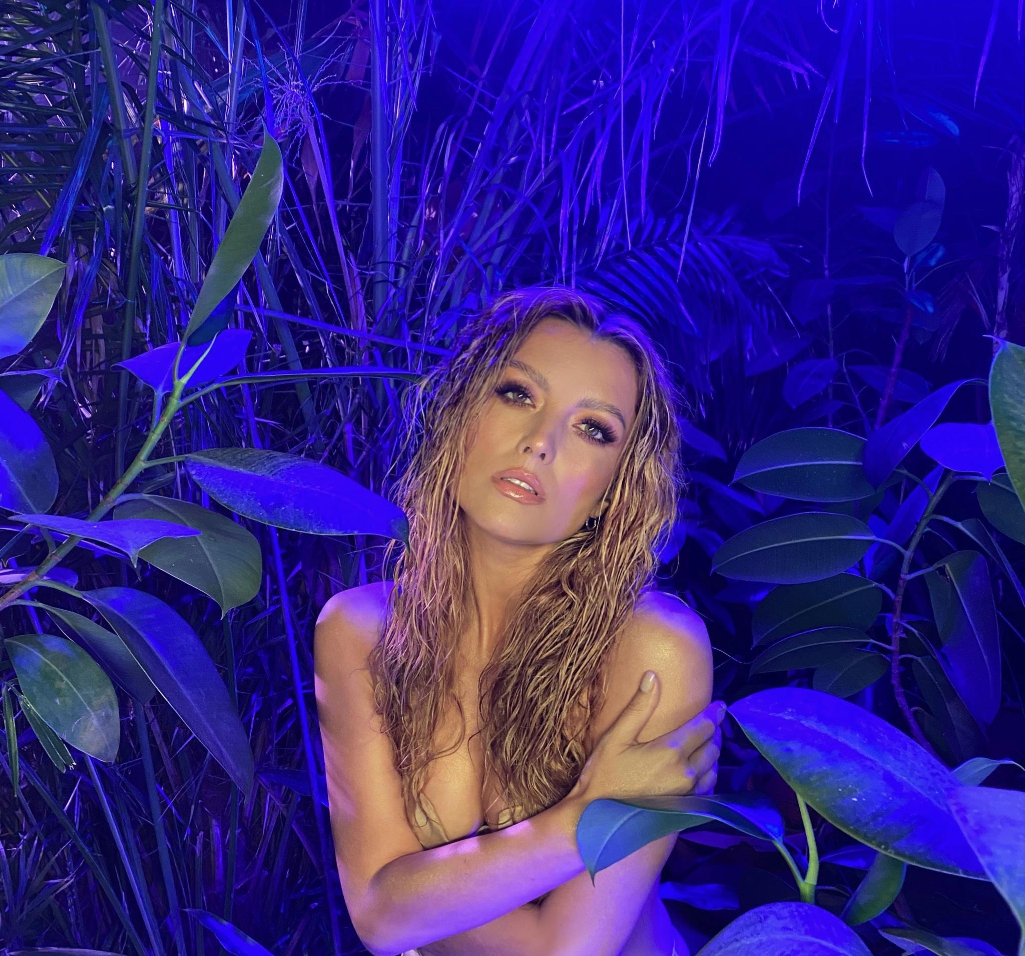 elena gheorghe a filmat un videoclip nou