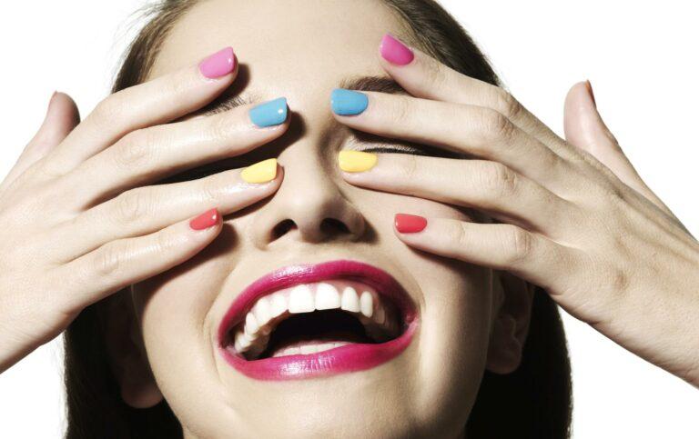 Manichiură de vară | Cele mai frumoase unghii colorate